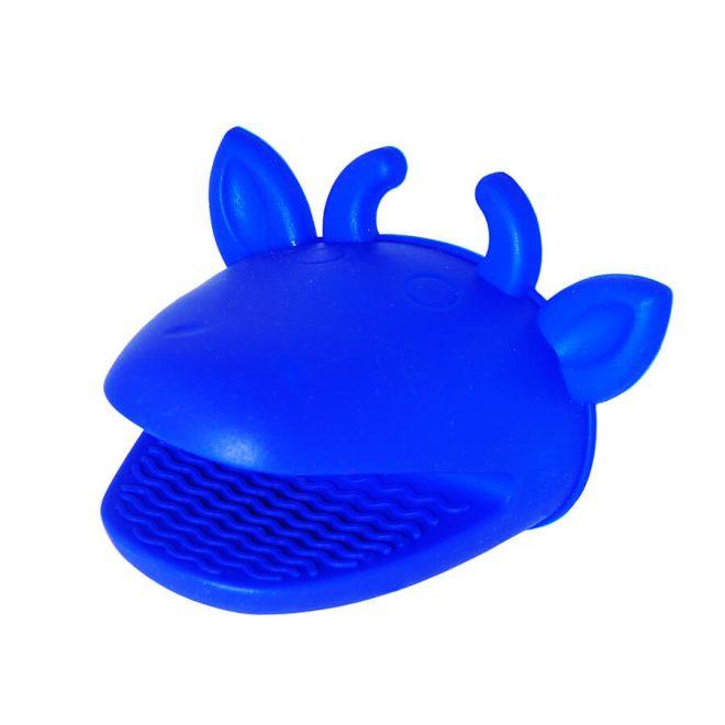 Niebieska rękawica silikonowa do kuchni